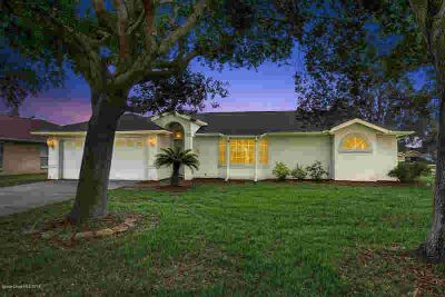 3045 Pineda Crossing Drive Melbourne, MOVE IN READY 3 Bd