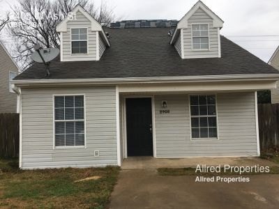 Single-family home Rental - 2405 W Ash St