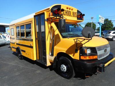 "2004 Chevrolet Express Bus 159"" WB DRW BUS (Yellow)"