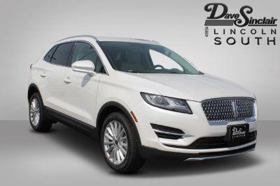 2019 Lincoln MKC (White Platinum Metallic Tri-Coat - White)