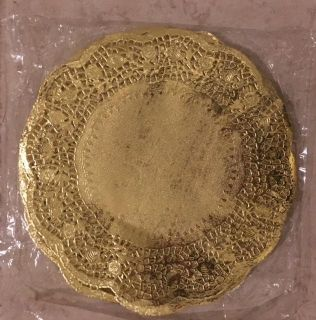 Golden 10.5 inches paper doilies