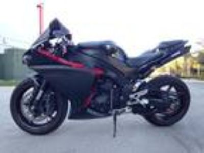 2009 Yamaha YZF-R1 Raven Edition