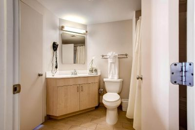 $9330 1 apartment in Chinatown