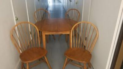 Ethan Allen wood dining table with 4 chairs