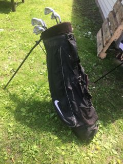 Nike Golf Bag with T740 Power Sole Tour Collection clubs