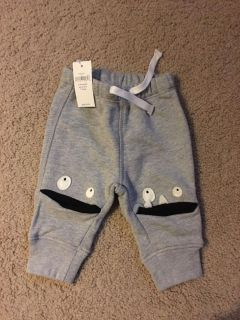 New With Tag - 0-3 m Baby Gap pants