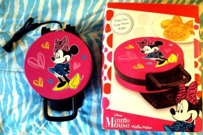 Minnie Mouse Waffle Maker NEW in Open Box