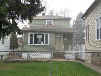 3 Bed 2 Bath Foreclosure Property in Blue Island, IL 60406 - Honore St