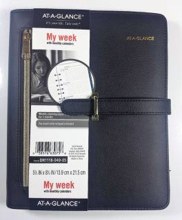 AT-A-GLANCE Faux Leather Fashion Starter Set Desk Size DR1118-040-05 Planner