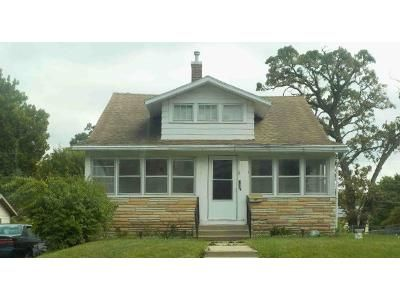 3 Bed 2 Bath Foreclosure Property in Des Moines, IA 50314 - 19th St