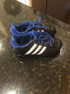 UGC Adidas soccer Cleats size 11