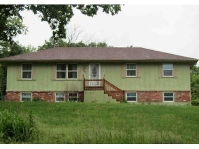 3 Bed 1.5 Bath Foreclosure Property in Independence, MO 64056 - S Alexander Rd