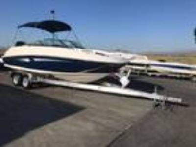 2014 Sea Ray 240 SUN DECK