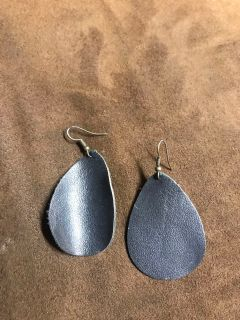 Small black leather earrings
