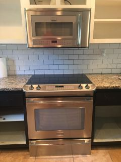 Frigidaire Professional electric range and microwave oven