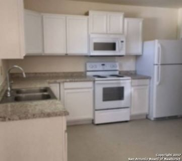 1409 S 4th st Floresville, clean and comfortable Three BR/One BA