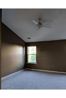 3 bedrooms House - 2680 Sft End unit 1car 3bed, 2bath. Single Car Garage!