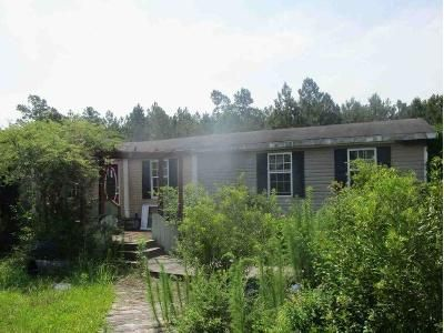3 Bed 2 Bath Foreclosure Property in Holly Ridge, NC 28445 - Piney Creek Rd