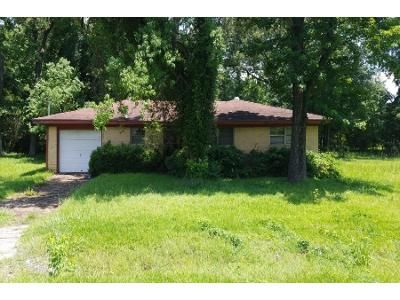 Preforeclosure Property in Beaumont, TX 77703 - Fairway St