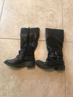 Black knee boots toddler size 9 true to size