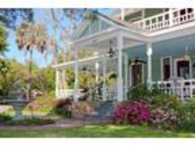 Inn for Sale: Camellia Rose Inn