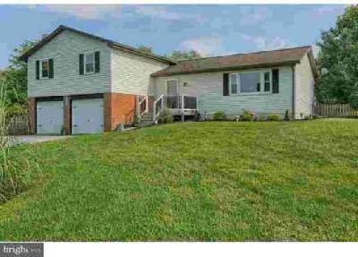19 Dogwood Rd Mohrsville Three BR, Welcome home to this expansive