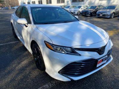2018 Toyota Camry LE (Super White)
