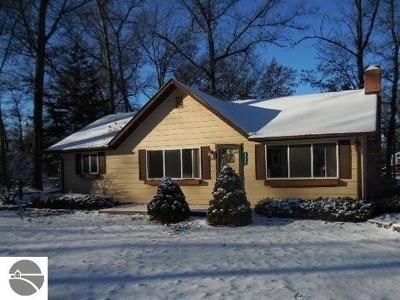 2 Bed 1 Bath Foreclosure Property in Prescott, MI 48756 - Michigan Ave