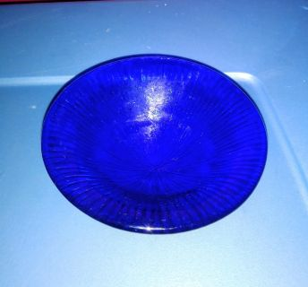CUTE SMALL ANTIQUE BLUE GLASS BOWL