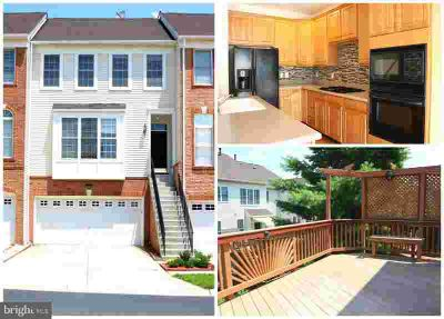 25840 Kirkwood Sq CHANTILLY Three BR, Beautiful townhome located