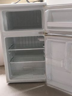 Small Electric refrigerator