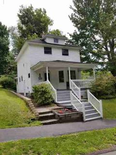 128 E Garfield Ave CARBONDALE Three BR, Check out this charming