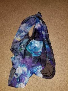 Nwt hot topic blue Galaxy infinity scarf