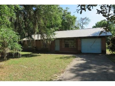 3 Bed 1 Bath Foreclosure Property in Hawthorne, FL 32640 - SE 229th Ter