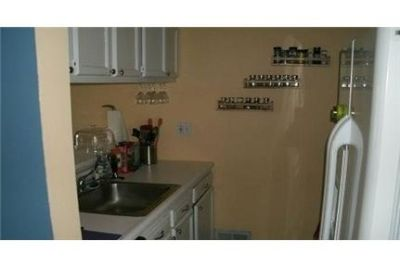 Amazing 2 bedroom, 1 bath for rent. Will Consider!