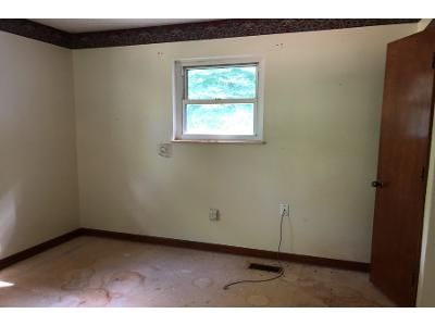 2 Bed 2 Bath Foreclosure Property in Rush, KY 41168 - Rice Ln