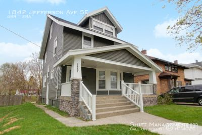 1842 Jefferson SE - Awesome, updated 4-bedroom, 1.5 bath home!
