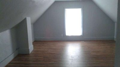 One Bedroom Anoka apartment for rent. Two blocks from East Main St