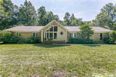 1565 Earnhardt Road SALISBURY Three BR, Look no farther ??? this