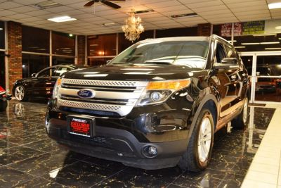 2013 Ford Explorer XLT (Tuxedo Black Metallic)