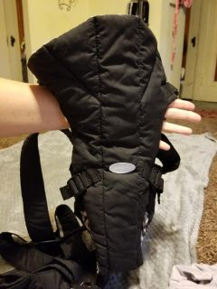 NEW NEVER USED..BABY CARRIER INFANTINO BRAND