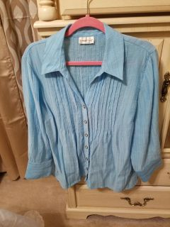 Pretty Shirt in great condition Coldwater Creek