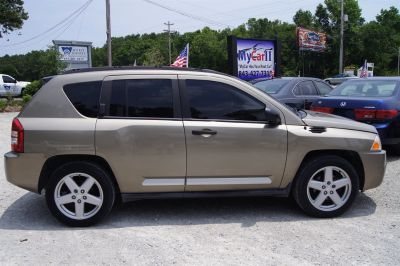 2007 Jeep Compass Limited (Gold)