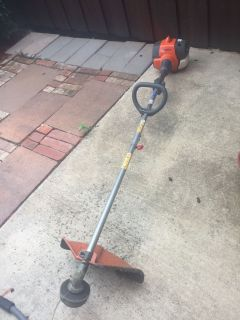 Husqvarna 17 in gas trimmer weed eater Nice!! With extra s