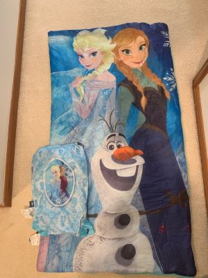Anna and Elsa sleeping bag great condition