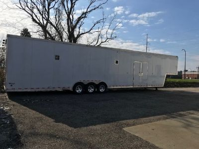 48' United 5th Wheel Trailer