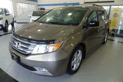 2013 Honda Odyssey Touring (Mocha Metallic)