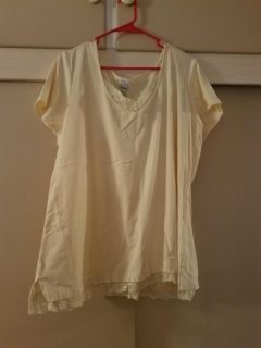 4X LITE YELLOW LACE TRIM TOP, EXCELLENT CONDITION, SMOKE FREE HOUSE