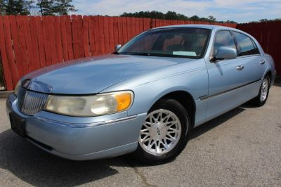 1998 Lincoln Town Car Signature (BLUE)