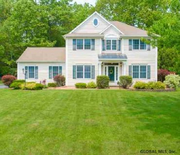 27 Marcel Rd HALFMOON Four BR, Nothing to do but move in and